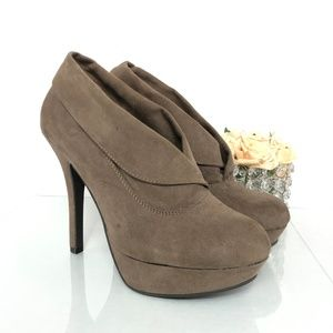 MOSSIMO ANKLE VELVET TAN BOOTIES SIDE 7.5